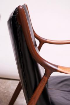 Finn Juhl Pair of Vintage Walnut and Leather 45 Lounge Chairs by Finn Juhl for Baker - 1397934