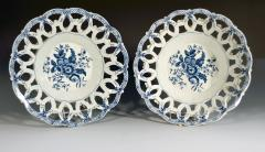 First Period Worcester Porcelain Large Pair of Fruit Baskets Pine Cone Pattern - 1619226