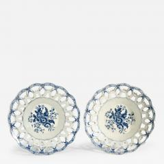 First Period Worcester Porcelain Large Pair of Fruit Baskets Pine Cone Pattern - 1620656