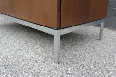 Florence Knoll Knoll Marble Top Credenza in Walnut and Calacatta Designed by Florence Knoll - 1867032