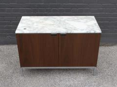 Florence Knoll Knoll Marble Top Credenza in Walnut and Calacatta Designed by Florence Knoll - 1867034