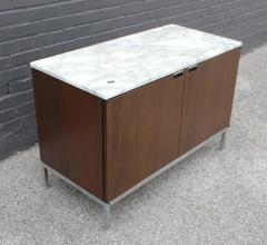 Florence Knoll Knoll Marble Top Credenza in Walnut and Calacatta Designed by Florence Knoll - 1867035