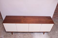 Florence Knoll Vintage Florence Knoll White Lacquer and Walnut Credenza Cabinet Model 541 - 1210242