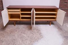 Florence Knoll Vintage Florence Knoll White Lacquer and Walnut Credenza Cabinet Model 541 - 1210248