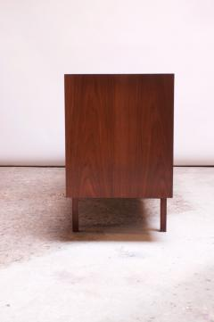Florence Knoll Vintage Florence Knoll White Lacquer and Walnut Credenza Cabinet Model 541 - 1210253