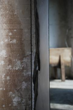 Frederic Saulou Black Slate Mirror Narcisse by Fre de ric Saulou - 850041