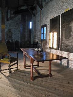 French 16th Century Henry II Walnut Extending Table - 684591