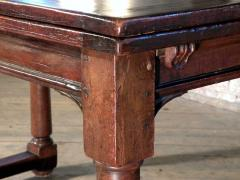 French 16th Century Henry II Walnut Extending Table - 684597