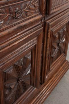 French 18th Century Louis XIII Style Walnut Buffet - 1043804
