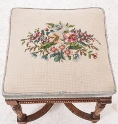 French Early 20th Century Louis XVI Stool with Needlepoint Cushion - 582914