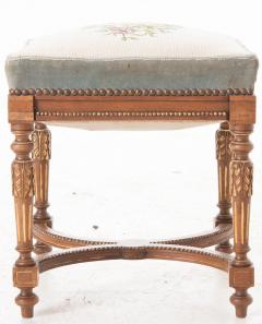 French Early 20th Century Louis XVI Stool with Needlepoint Cushion - 582916