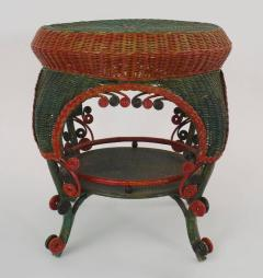 French Victorian Red And Green Painted Wicker Round End Table - Painted round end table