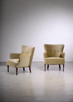 Frits Henningsen Frits Henningsen pair of green velour easy chairs - 1960543