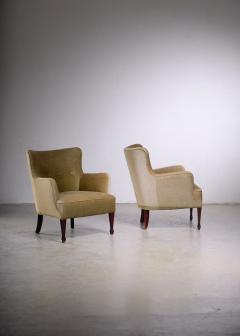 Frits Henningsen Frits Henningsen pair of green velour easy chairs - 1960544