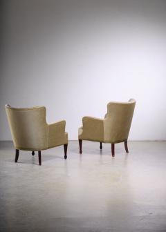 Frits Henningsen Frits Henningsen pair of green velour easy chairs - 1960545