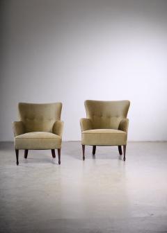 Frits Henningsen Frits Henningsen pair of green velour easy chairs - 1960546