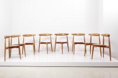 Fritz Hansen Set of 8 Oak and Teak Heart Chairs by Hans Wegner Denmark 1950s - 1622701