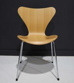 Fritz Hansen Ten Fritz Hansen Series 7 Chairs in Maple Sold in Pairs - 2085641