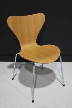 Fritz Hansen Ten Fritz Hansen Series 7 Chairs in Maple Sold in Pairs - 2085642