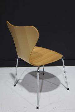 Fritz Hansen Ten Fritz Hansen Series 7 Chairs in Maple Sold in Pairs - 2085644