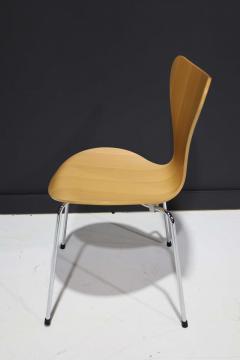 Fritz Hansen Ten Fritz Hansen Series 7 Chairs in Maple Sold in Pairs - 2085645