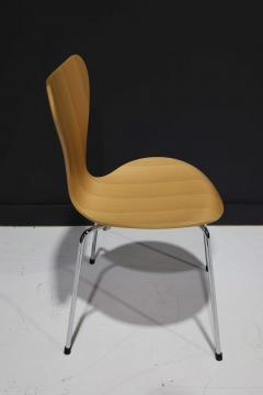 Fritz Hansen Ten Fritz Hansen Series 7 Chairs in Maple Sold in Pairs - 2085647