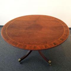 GEORGE III MAHOGANY AND STRING BANDED BREAKFAST TABLE Circa 1780 - 1519038