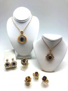 Garnet and Diamond Ring 18 Karat Yellow Gold - 1099592