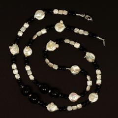 Gemjunky 45 Inch Long Black and White Elegant necklace - 1900156