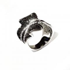 Gemjunky Faux Sparkly Black and White Dinner Ring - 1949379