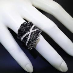 Gemjunky Faux Sparkly Black and White Dinner Ring - 1949381