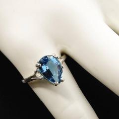Gemjunky Pear Shape Blue Topaz in Sterling Silver Ring - 1959877