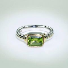 Gemjunky Peridot and Sterling Silver Ring with 18K Gold Accents - 1714928