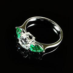 Gemjunky Silver Topaz and Emerald Cocktail Ring - 1714962