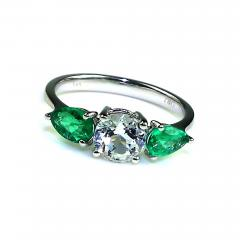 Gemjunky Silver Topaz and Emerald Cocktail Ring - 1718001