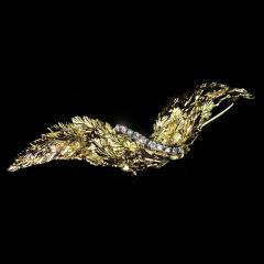 Gemjunky Yellow Gold Brooch with Diamonds - 1631517