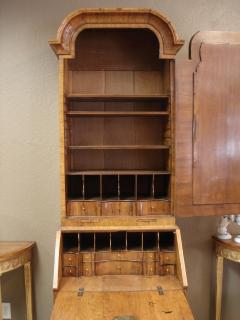 George I period burl walnut and feather banded bureau cabinet of small size - 2032158