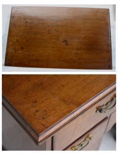 George II Walnut Kneehole Desk - 1867710