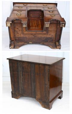George II Walnut Kneehole Desk - 1867711