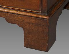 George III Mahogany Kneehole Desk of Exceptional Quality - 1005870