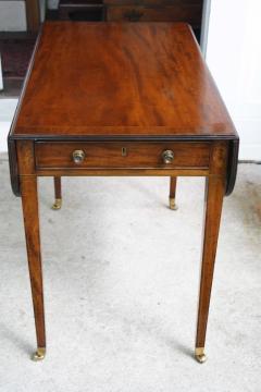 George III Pembroke Table - 1854389