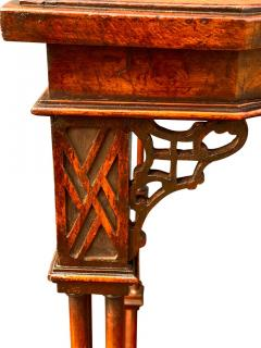 George III Style Burl Walnut and Mahogany China Table Attributed to Gillow - 1736137