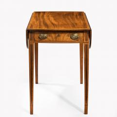George III oval mahogany and king wood banded Pembroke table - 820538
