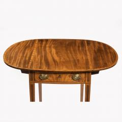 George III oval mahogany and king wood banded Pembroke table - 820540