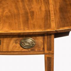 George III oval mahogany and king wood banded Pembroke table - 820541