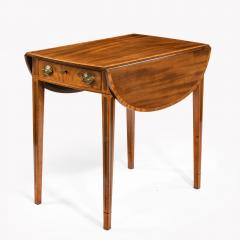 George III oval mahogany and king wood banded Pembroke table - 820542