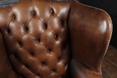 Georgian Style Brown Buttoned Leather Wing Chair - 2051497