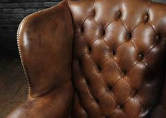 Georgian Style Brown Buttoned Leather Wing Chair - 2051498