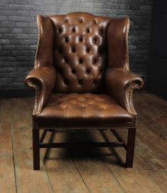 Georgian Style Brown Buttoned Leather Wing Chair - 2051499