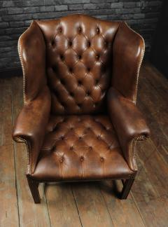Georgian Style Brown Buttoned Leather Wing Chair - 2051500
